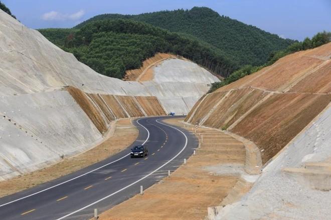 Cấp thiết chuyển đổi hình thức đầu tư 8 dự án PPP cao tốc Bắc - Nam ảnh 2