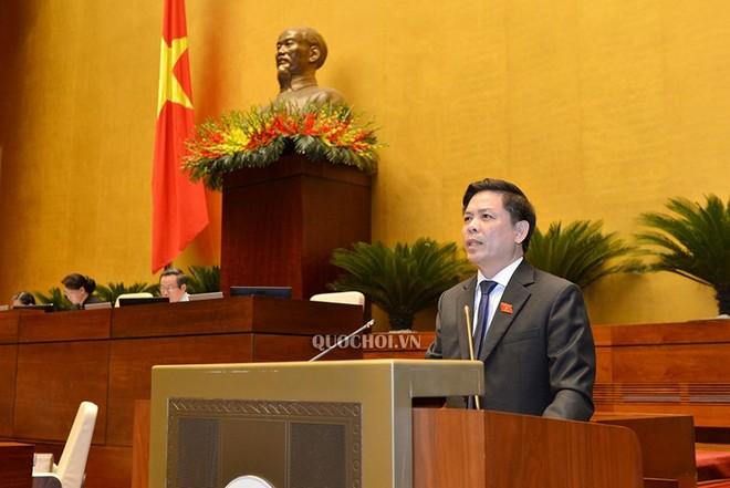 Bộ trưởng Bộ Giao thông - Vận tải Nguyễn Văn Thể phát biểu tại Quốc hội.