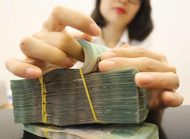 Lãi suất tiền gửi tiết kiệm tiếp tục được dự báo sẽ đi xuống trong thời gian tới.