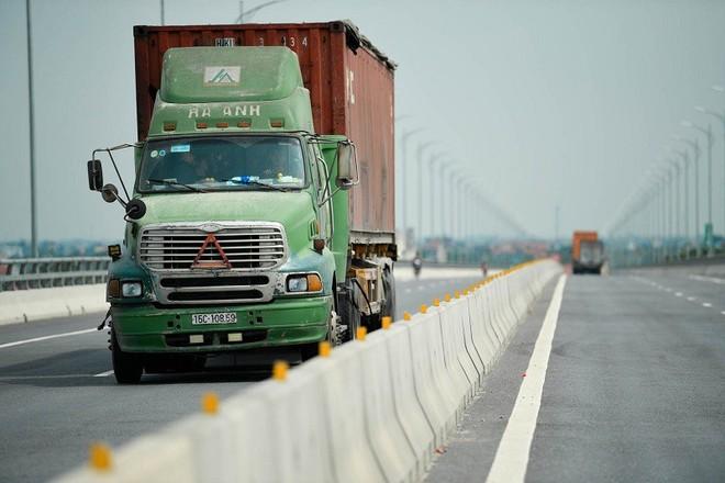 Tuyến đường bộ nối đường cao tốc Hà Nội - Hải Phòng với cao tốc Cầu Giẽ - Ninh Bình giai đoạn 1 có chiều dài 47,7 km, quy mô 2 làn xe đi qua địa phận 2 tỉnh Hưng Yên và Hà Nam được hoàn thành đưa vào khai thác năm 2019.