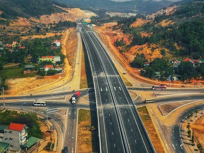 Một đoạn tuyến cao tốc Bắc - Nam qua Lạng Sơn.