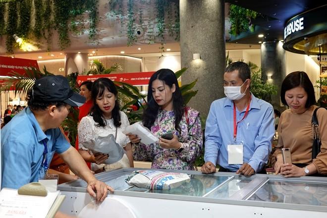 100 gian hàng đặc sản vùng miền, sản phẩm OCOP tại Hà Nội ảnh 1
