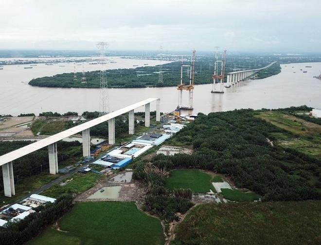 Cao tốc Bến Lức - Long Thành đoạn qua tỉnh Long An. Ảnh: Lê Toàn