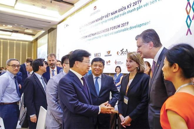 Việt Nam đang có ưu thế để thu hút dòng vốn đầu tư chuyển dịch.