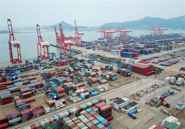 Hàng hóa xếp tại Liên Vân Cảng, tỉnh Giang Tô, Trung Quốc. (Nguồn: AFP/TTXVN)