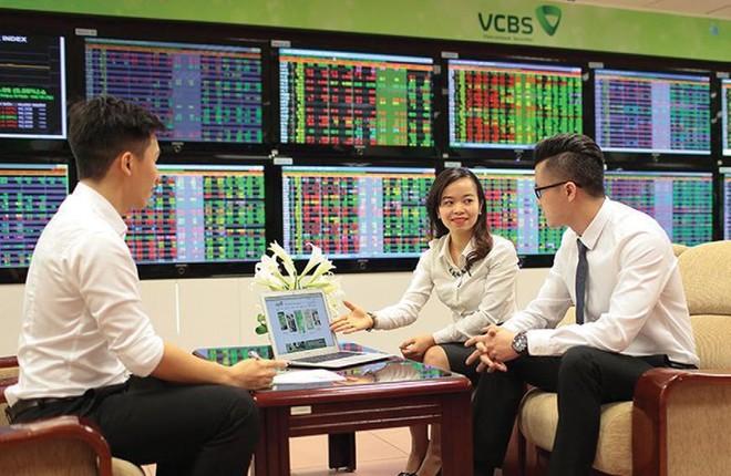 VCBS dự báo mức điểm cao nhất của các chỉ số chứng khoán năm 2021 tăng 8 - 15% so với cuối năm 2020