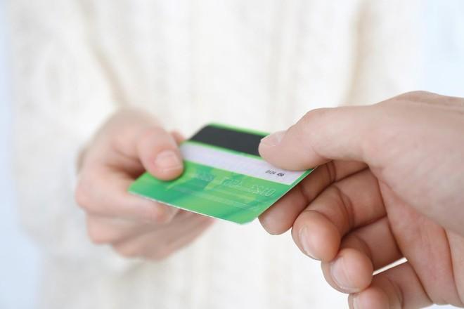 Trong hoạt động thanh toán, mảng thẻ còn nhiều dư địa khai thác. Ảnh: Shutter Stock