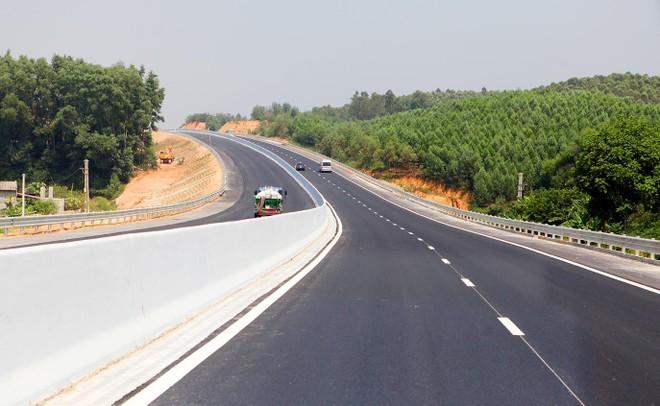 Những tuyến đường cao tốc đã trở thành động lực tăng trưởng cho nền kinh tế. Trong ảnh: Tuyến cao tốc Hà Nội - Bắc Giang. Ảnh: Anh Minh
