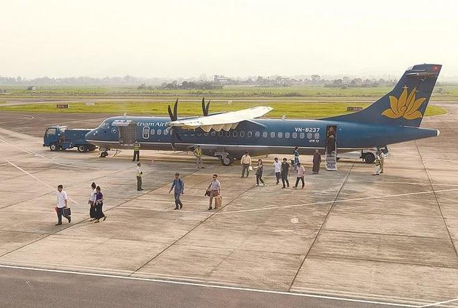 Tại sân bay Điện Biên, hiện chỉ có VASCO khai thác hai đường bay từ Hà Nội, Hải Phòng bằng tàu bay ATR72.