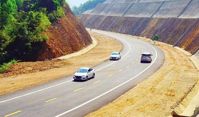Dự án cao tốc Bắc - Nam phía Đông đoạn Cam Lộ - La Sơn. Ảnh: A.M