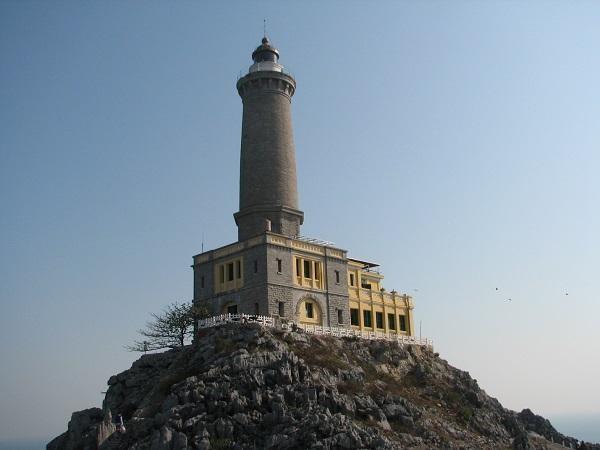 Đèn biển Long Châu do Tổng công ty Bảo đảm an toàn hàng hải miền Bắc quản lý.