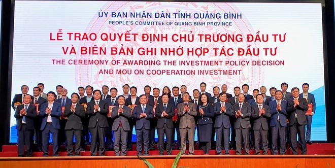 Các dự án được trao chủ trương đầu tư và Biên bản ghi nhớ hợp tác đầu tư tại Hội nghị xúc tiến đầu tư Quảng Bình 2021.