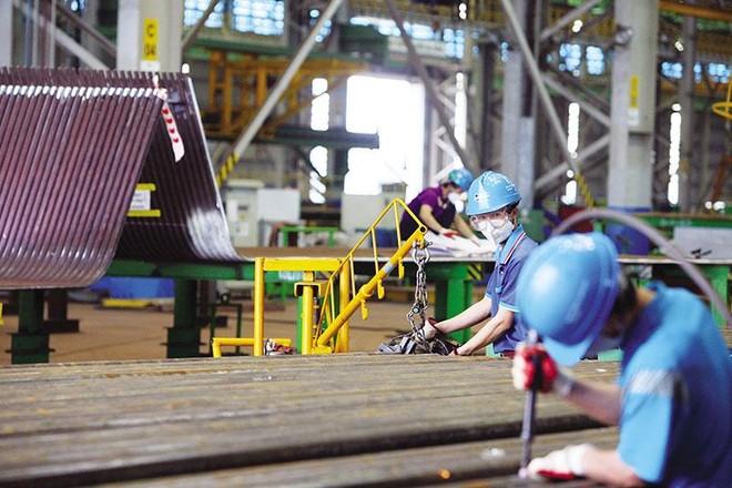 Sản xuất tại Công ty Doosan Vina (Dung Quất , Quảng Ngãi). Ảnh: Đức Thanh