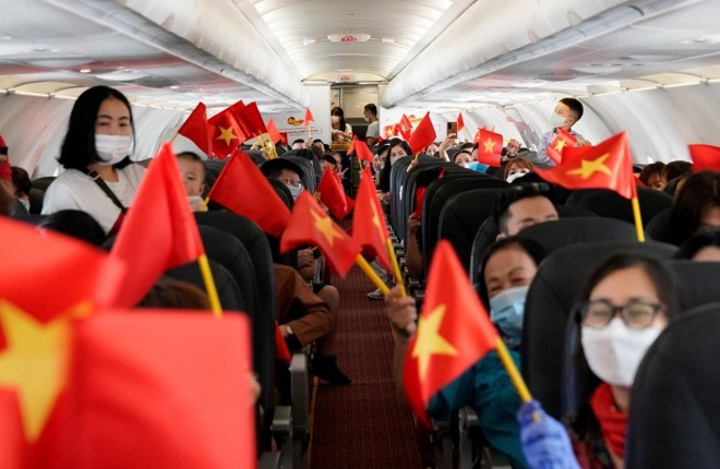 Hành trình đặc biệt mừng ngày Thống nhất đất nước 30/4 trên tàu bay Vietjet