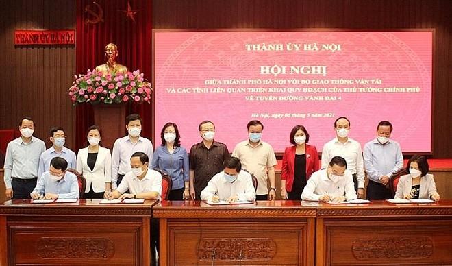 Ký kết Thỏa thuận hợp tác giữa Bộ Giao thông Vận tải và TP. Hà Nội cùng các tỉnh liên quan về triển khai tuyến đường vành đai 4.
