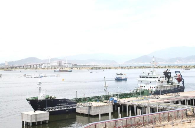 Một góc cảng Sơn Trà - Đà Nẵng
