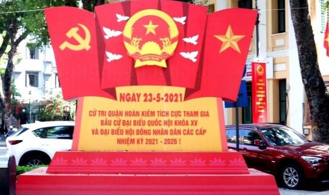 """Hà Nội """"thay màu áo mới"""" chào mừng ngày hội toàn dân ảnh 9"""
