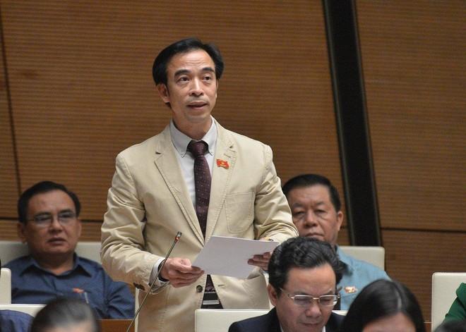 Hiện tại các cơ quan chức năng vẫn chưa xem xét tư cách đại biểu Quốc hội khóa XIV đối với ông Nguyễn Quang Tuấn.