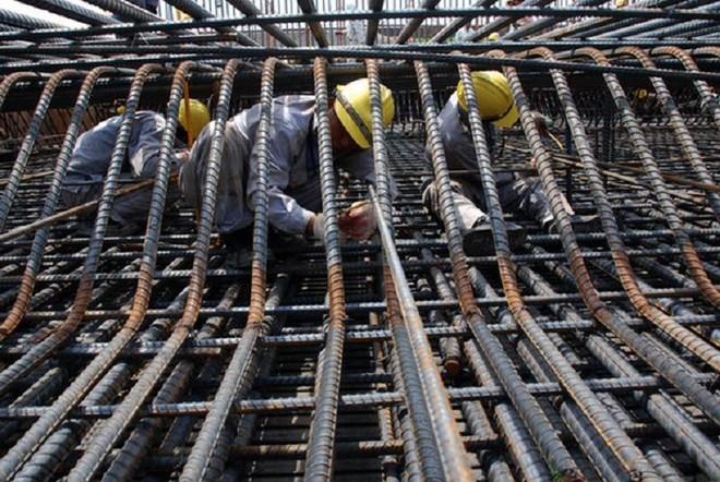 Từ tháng 10/2020 đến tháng 5/2021, giá thép xây dựng đã tăng khoảng 42-56%, tùy loại