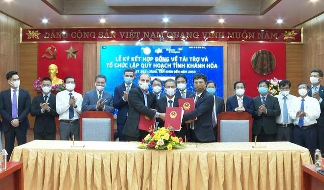 Sự kiện ký kết 3 bên nhằm tài trợ việc lập quy hoạch tỉnh Khánh Hòa