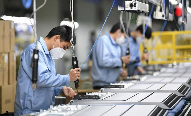 Một số doanh nghiệp đã lên kế hoạch sản xuất trở lại. Ảnh minh hoạ