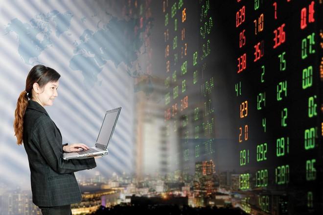 Thị trường chứng khoán khởi sắc là thời điểm thích hợp để đẩy mạnh các sản phẩm ILP. Ảnh: Shutterstock