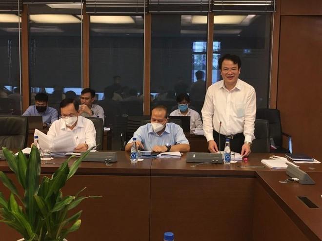 Thứ trưởng Bộ Kế hoạch và đầu tư Trần Quốc Phương tại phiên họp của Ủy ban Kinh tế.
