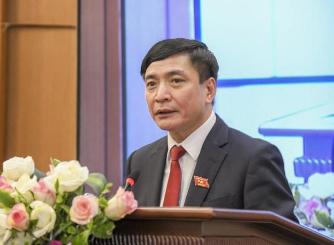 Tổng Thư ký Quốc hội, Chánh Văn phòng Hội đồng Bầu cử quốc gia Bùi Văn Cường thông báo kết quả bầu cử.