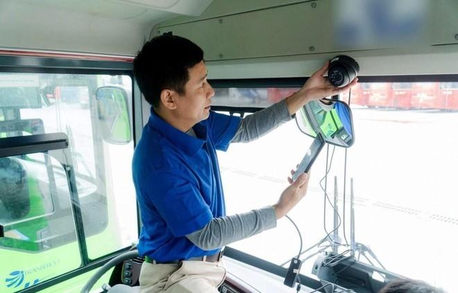 Theo quy định tại Nghị định 10, toàn quốc có khoảng 100.000 xe khách từ 9 chỗ trở lên phải lắp camera giám sát.