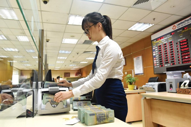 Không phải ngân hàng nào cũng thích đầu tư vào TPCP, dù rất an toàn. Ảnh: Dũng Minh