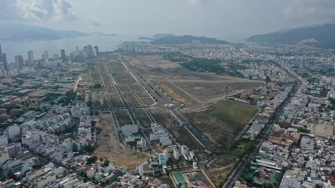 """Khánh Hòa """"xây lại"""" giá đất với hàng trăm dự án"""