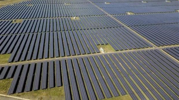 Nhà máy điện Mặt Trời Sao Mai-An Giang với tổng vốn đầu tư hơn 6.000 tỷ đồng hoàn thành sau 2 năm xây dựng. (Ảnh: Thanh Sang/TTXVN)