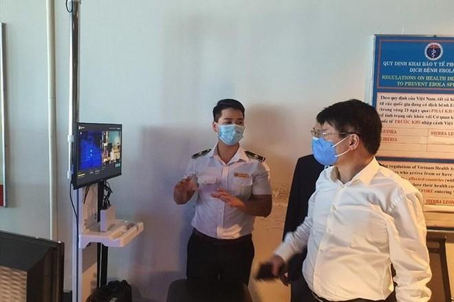 Công tác phòng chống dịch Covid-19 triển khai tại Cảng hàng không quốc tế Cam Ranh, Khánh Hòa. Ảnh: P.L