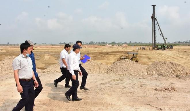 Phó Bí thư Thường trực Tỉnh ủy Thừa Thiên Huế Phan Ngọc Thọ trong một lần kiểm tra tiến độ thi công dự án.