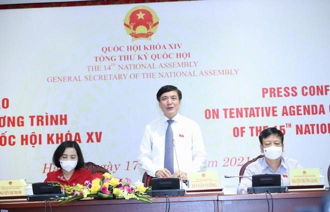 Tổng thư ký Quốc hội Bùi Văn Cường chủ trì họp báo (Ảnh Duy Linh).