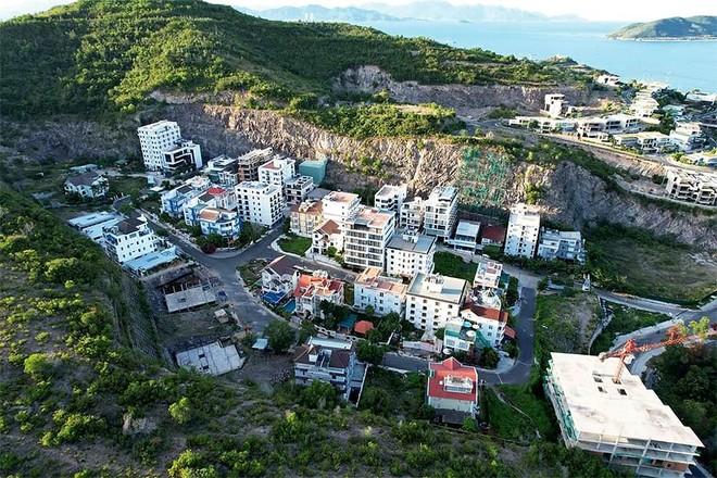 Dùng dằng cưỡng chế công trình trái phép tại Khánh Hòa, Lâm Đồng