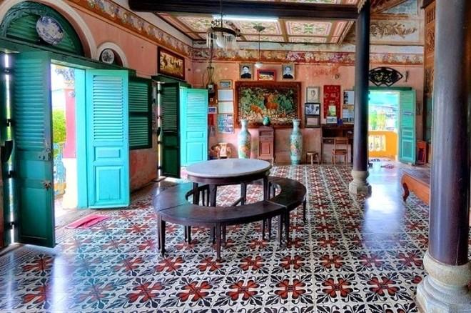 Vẻ quyến rũ của ngôi nhà cổ đẹp nhất xứ Tây Đô ảnh 11