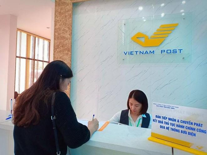 Các doanh nghiệp bưu chính chuyển phát dù đơn hàng tăng, doanh thu tăng, nhưng giá giảm, cạnh tranh cũng ngày càng khốc liệt hơn.