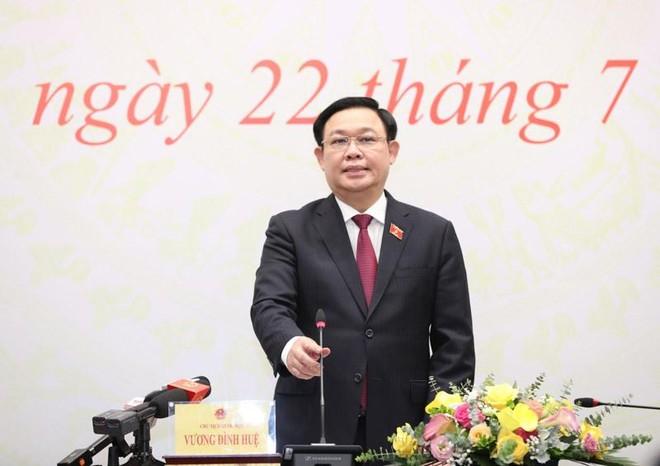 Chủ tịch Quốc hội Vương Đình Huệ chủ trì cuộc gặp mặt (Ảnh Duy Linh).