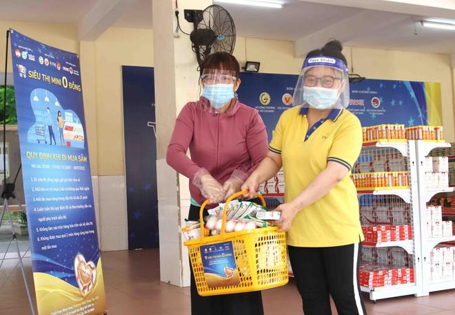 TP.HCM: Thêm 20.000 hộ dân khó khăn được tiếp sức từ siêu thị 0 đồng ảnh 5