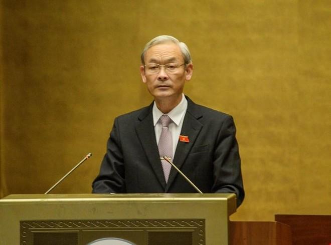 Chủ nhiệm Uỷ ban Tài chính - Ngân sách Nguyễn Phú Cường giải trình ý kiến đại biểu trước khi Quốc hội bấm nút .