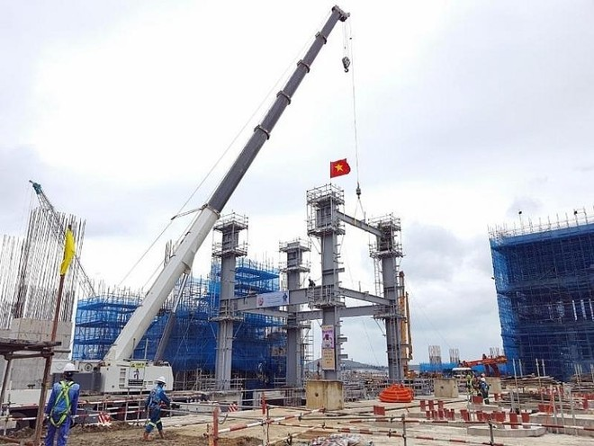 Thi công tại Nhà máy Nhiệt điện BOT Vân Phong 1 vào tháng 4/2021