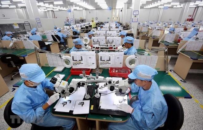 Tình hình hoạt động sản xuất - kinh doanh của doanh nghiệp, cuộc sống của người lao động đang trong tình thế cấp bách.