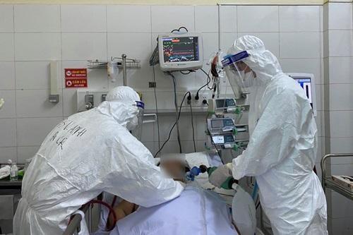 Hệ thống y tế đang đối diện với thách thức lớn chưa từng có ảnh 1