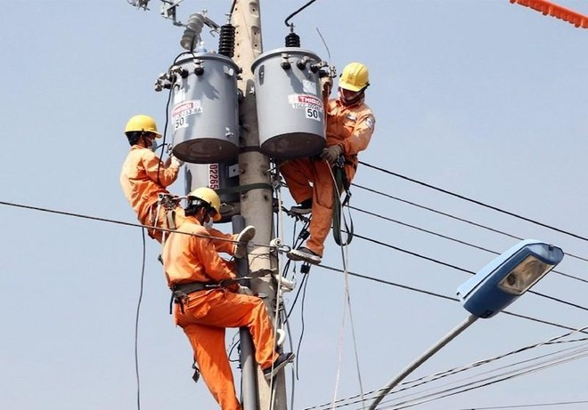 Tiêu thụ điện ở miền Bắc vẫn tăng cao do nắng nóng gay gắt