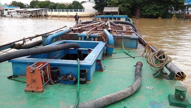 Khai thác cát sông trái phép, một doanh nghiệp ở TP.HCM bị phạt tiền 200 triệu đồng