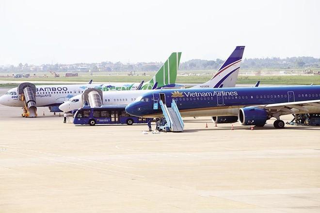 """Các hãng hàng không đang thiếu hụt dòng tiền, cần """"trợ thở"""" khẩn cấp, nếu không sẽ """"chết lâm sàng"""" vì mất thanh khoản."""