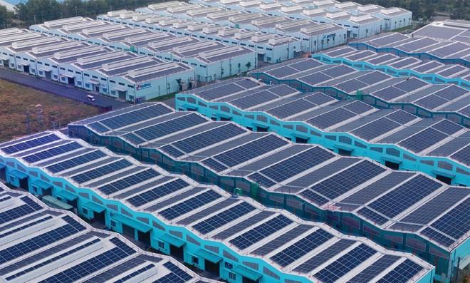 """""""Chùn tay"""" với điện mặt trời khu công nghiệp"""
