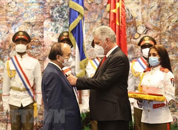 Cuba tặng Huân chương José Marti cho Chủ tịch nước Nguyễn Xuân Phúc ảnh 2