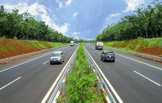 Tuyến cao tốc Tp.HCM – Thủ Dầu Một – Chơn Thành sẽ được xây dựng từ 64 -6 làn xe trong giai đoạn 1.